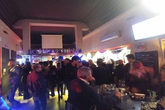 viktoria lounge bar https://www.facebook.com/viktorialoungebar/photos/a.1852226521473022.1073741847.116096471752711/1852227888139552/?type=3&theater
