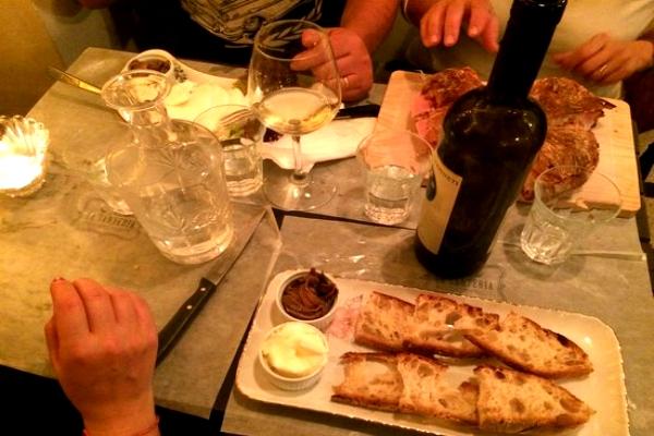 la santeria pigneto roma aperitivo scarpetta sughi vino birra guida ai migliori aperitivi di roma quartiere per quartiere pigneto