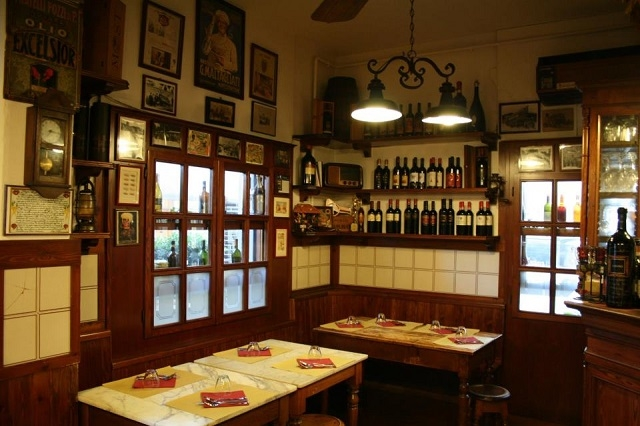 antica mescita san niccolò firenze https://www.facebook.com/178634992237341/photos/pb.178634992237341.-2207520000.1455715871./207710865996420/?type=3&theater
