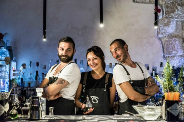 staff quarantacinque cocktail bar
