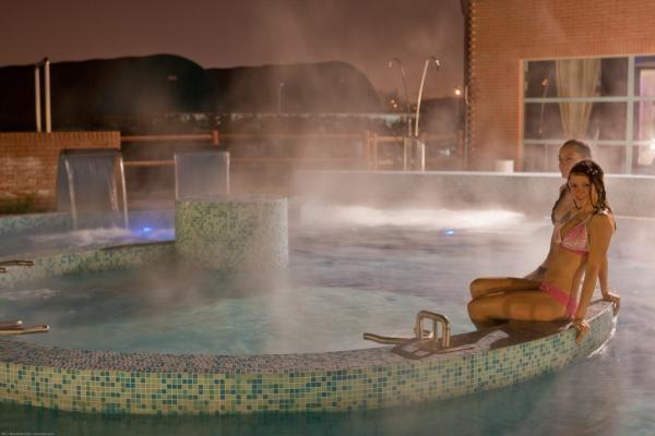 Bergamo le piscine all 39 aperto per tutti i gusti - Piscina stezzano prezzi ...