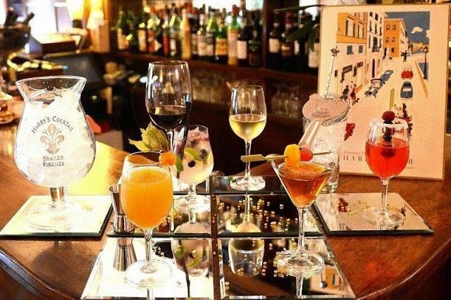 harry's bar firenze cocktails bar storici https://www.facebook.com/harrysbarfirenze/photos/pb.170845272926685.-2207520000.1448459779./1046476282030242/?type=3&theater