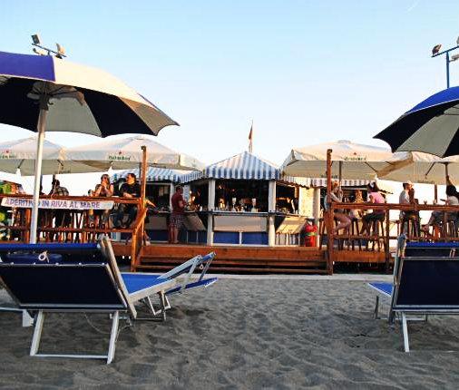 5 beach club vicino roma dove vivere ancora il mare - Bagni vittoria ostia ...