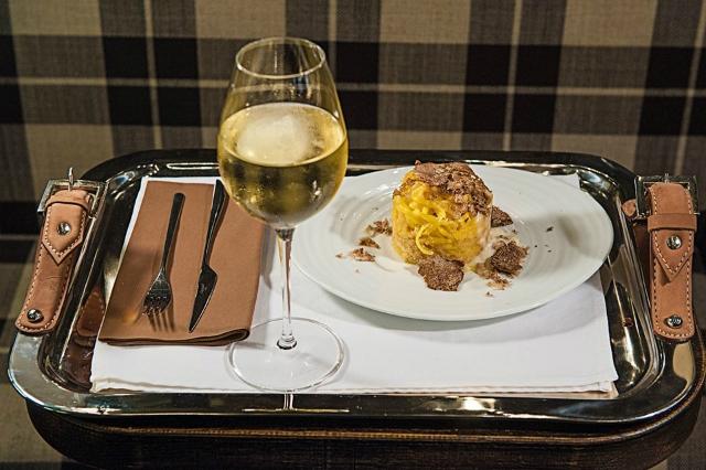 i migliori locali dove mangiare il tartufo a roma https://www.facebook.com/tartufiandfriends/photos/a.423898731036995.1073741828.423887264371475/754724314621100/?type=3&theater