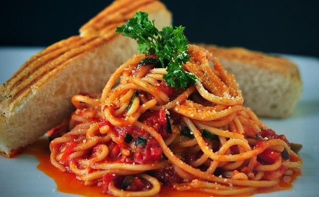 spaghetti sugo pasta