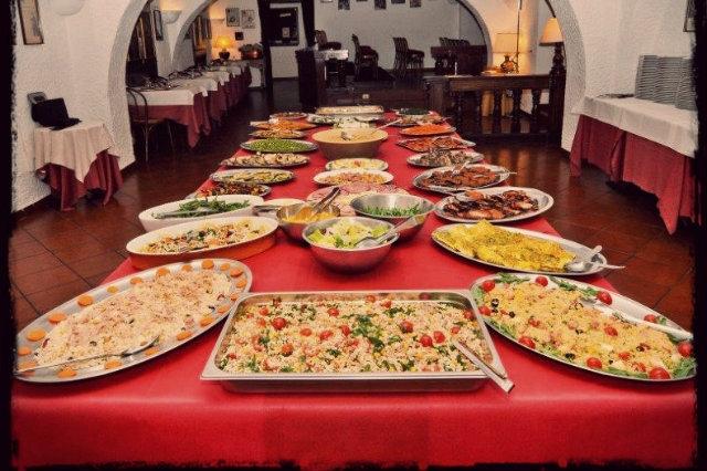 Dal pranzo allaperitivo, fino a cena: dove mangiare no limits a Roma