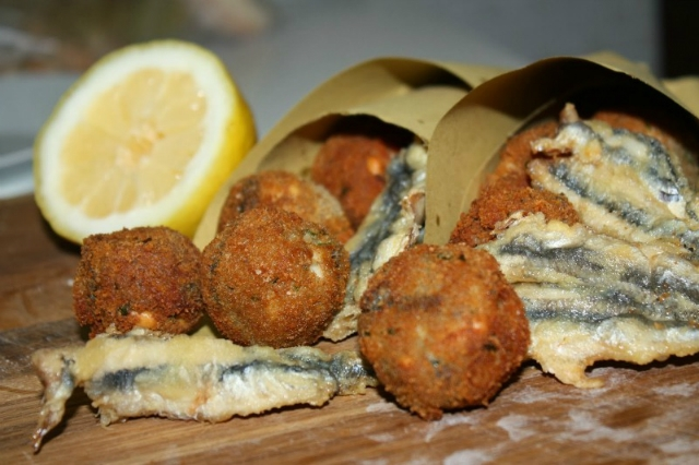 6 trattorie di cucina tipica napoletana dove mangiare con meno di 15 euro