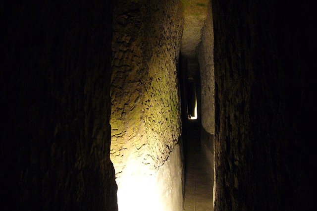 napoli sotterranea, luoghi del mistero, halloween, napoli
