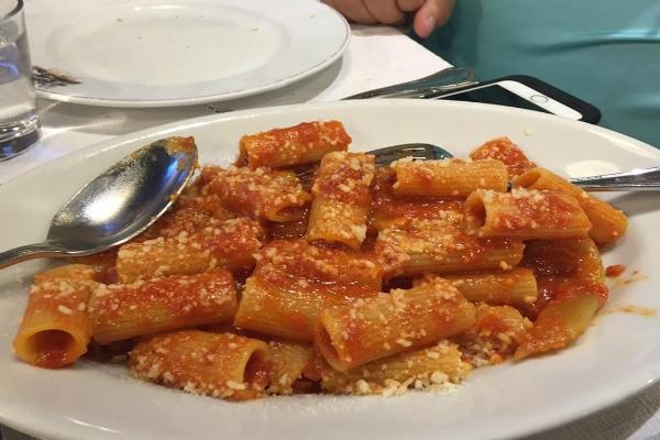 da felice a testaccio trattoria amatriciana rigatoni pecorino guanciale cucina romana roma le migliori amatriciane di roma