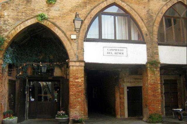 al remer i ristoranti nelle piccole calli a venezia