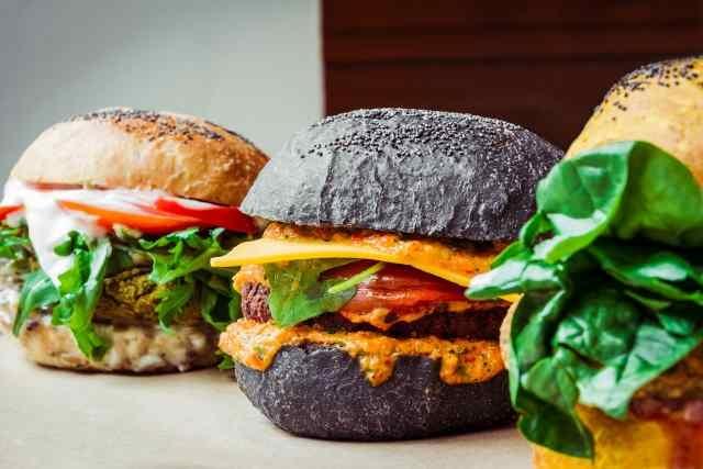 milano ristoranti locali aperitivo cena via vigevano navigli pranzo flower burger
