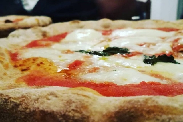 sciuè sciuè https://www.facebook.com/frittopizzavegano/photos/a.383583428394242.92579.307520902667162/1240989212653655/?type=3&theater