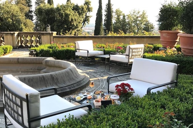 salviatino giardino del gusto aperitivi all'aperto firenze con vista a bordo piscina https://www.facebook.com/ilsalviatinohotel/photos/a.429353731112.214191.169467071112/10155183816671113/?type=3&theater