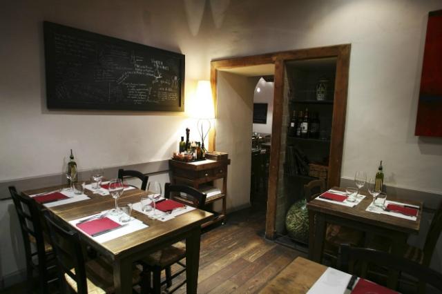 vineria il chianti roma centro storico fontana di trevi pranzo al wine bar a roma toscana salumi tagliere primi piatti vini toscani