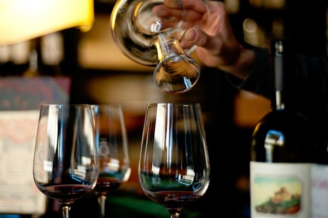 enoteca winebar firenze enoteca pitti e gola https://www.facebook.com/pittigolaecantinaofficial/photos/a.1397324623909731.1073741827.1397296073912586/1403989656576561/?type=1&theater
