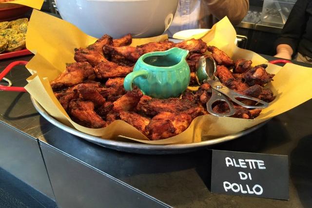 rosso eat drink & stay alette di pollo buffet pranzo megabuffet pausa pranzo a roma meno di 15 euro a persona aventino