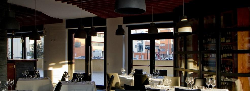 Host Restaurant